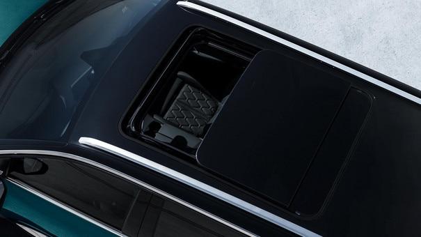 SUV PEUGEOT 5008: toit ouvrant panoramique