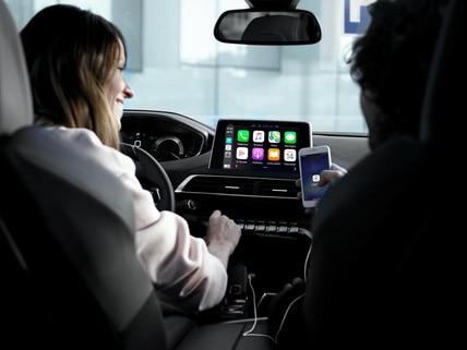 SUV PEUGEOT 5008: Mirror Screen, pour dupliquer les applications compatibles du smartphone.
