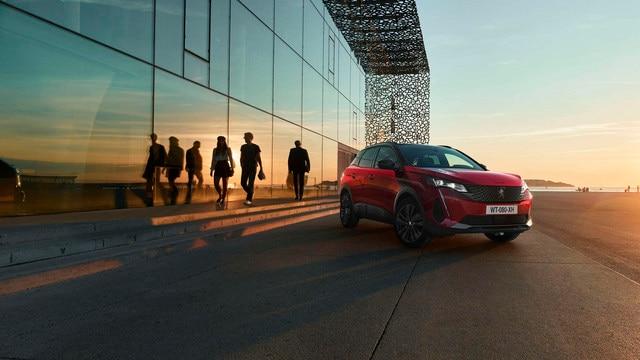 Nouveau SUV PEUGEOT 3008 – Option Black pack vue avant