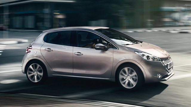 /image/61/1/peugeot-208-5-doors-allure_athletique_2.102611.jpg
